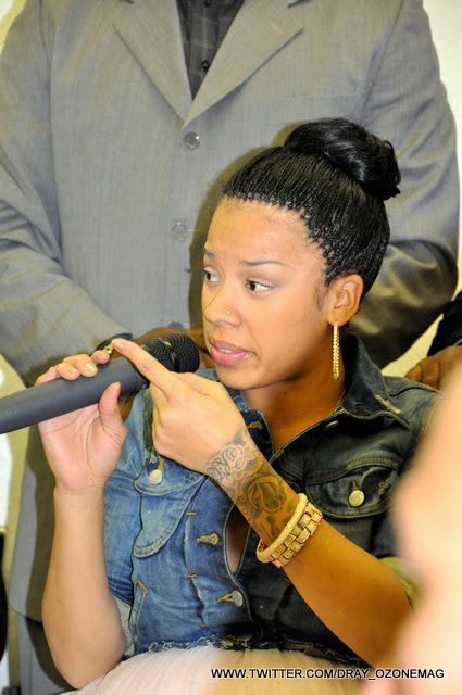 A Very Pregnant Keyshia Cole Provides Christmas For Foster ...